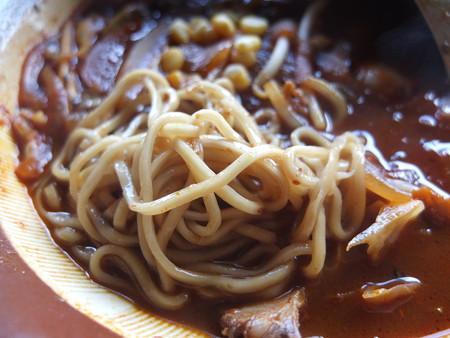 桃の木亭 激辛みそチャーシュー5番 麺の様子