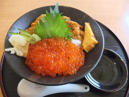 越後海鮮どん屋 ウニいくら丼¥2700