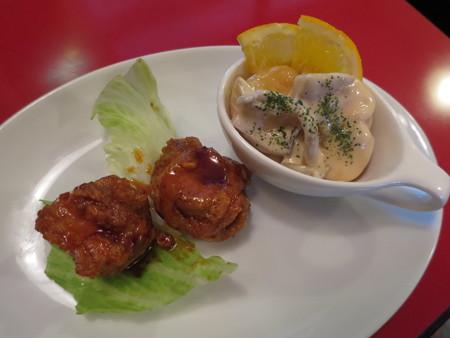 じょうえつバル街2016 王華飯店 鶏のからあげ+エビときのこのマヨネーズ和え