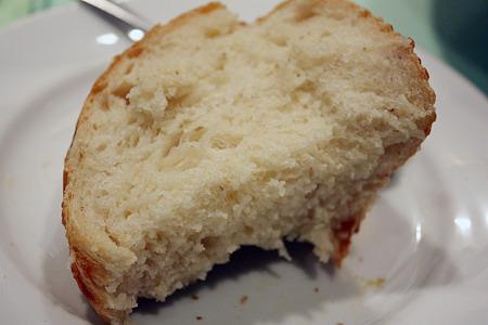 20110324_ビストロ ぺるしぃ 美味しいパン