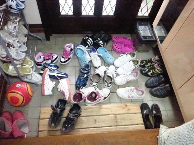 靴の並べ方が悪いので、帰る , 写真共有サイト「フォト蔵」