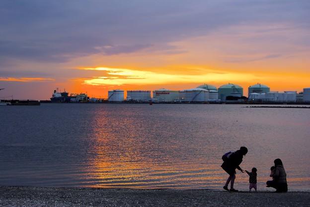 千葉港に陽は落ちて4