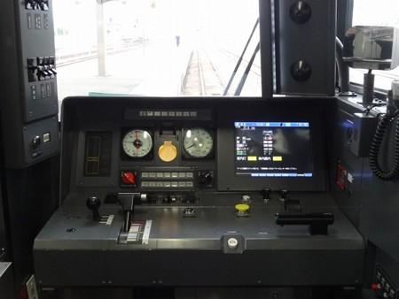 251-運転台
