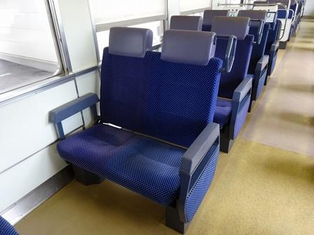 P100-座席(転換)