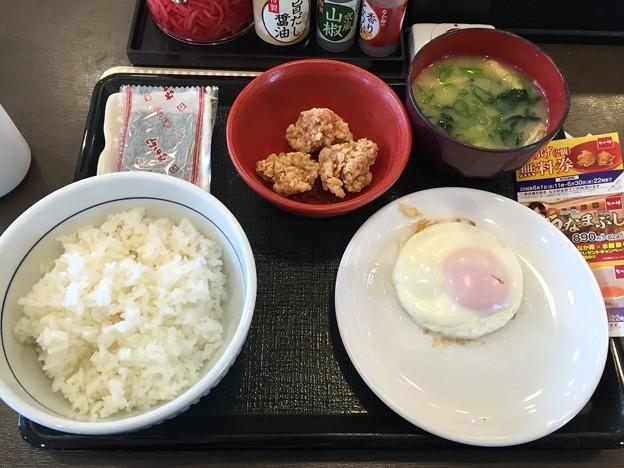 写真: なか卯朝食