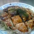 Photos: お昼はお好み焼き。お店のおばちゃんに「今日は奥田民生?」って聞か...