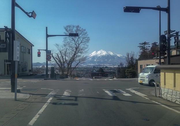 街から岩木山