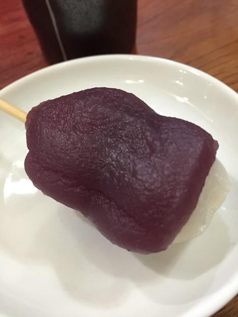 紫芋餡団子アップ