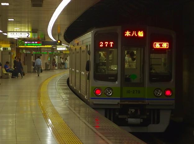 都営新宿線曙橋駅2番線 都営10-270F各停本八幡行き前方確認