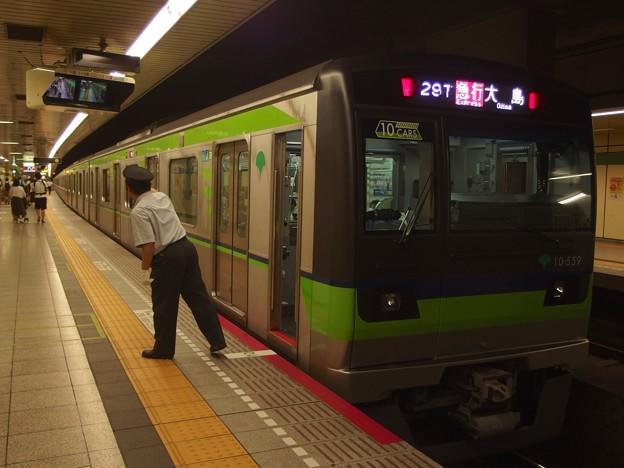 都営新宿線馬喰横山駅2番線 都営10-550F急行大島行き側面よし
