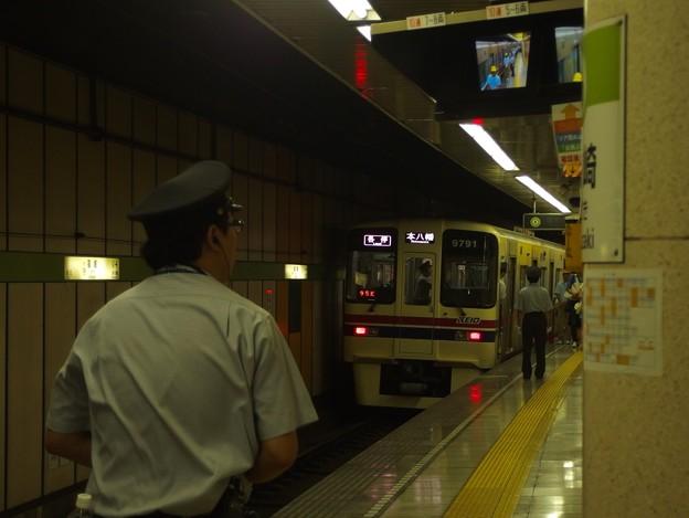 都営新宿線篠崎駅2番線 京王9041各停本八幡行き前方確認