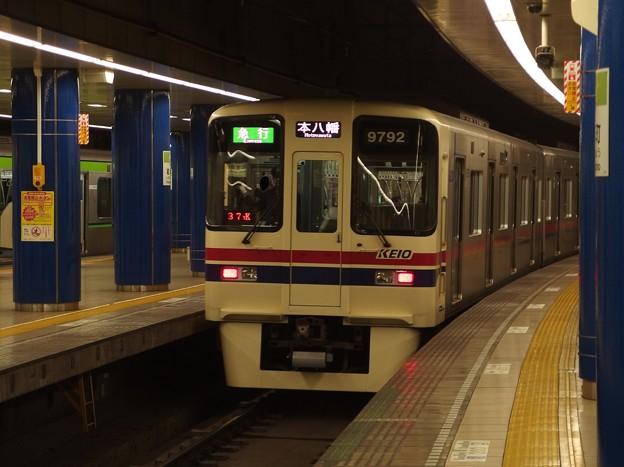 都営新宿線岩本町駅3番線 京王9042急行本八幡行き通過後方確認