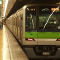 Photos: 都営新宿線岩本町駅2番線 都営10-330F各停橋本行き前方確認