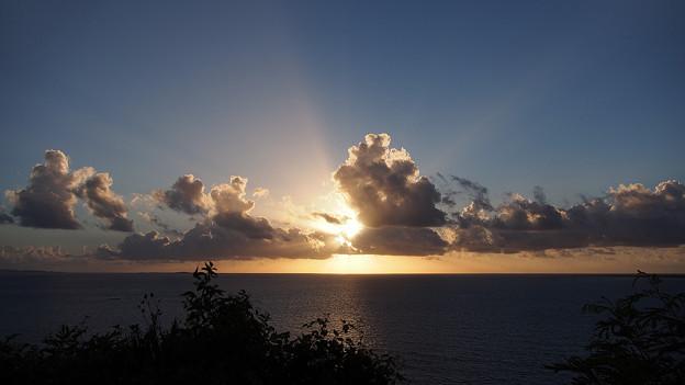 知念岬の朝日