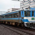 Photos: 高松駅に入線する185系「うずしお」8号