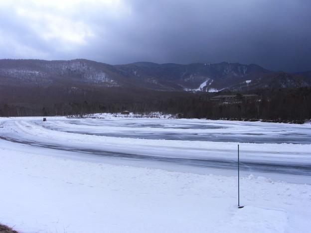 Photos: 氷上走行