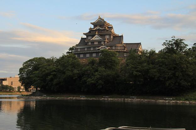 夕時の岡山城