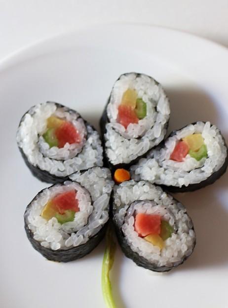 Photos: 巻き寿司(基本の花)
