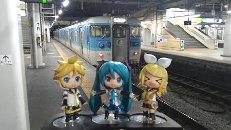 長野駅に無事到着!! ミク:「お疲れ様でした♪」 リン:「お疲れ...
