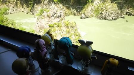 日出谷→野沢間、阿賀野川上流を、分水嶺に向かってさらに登ります。