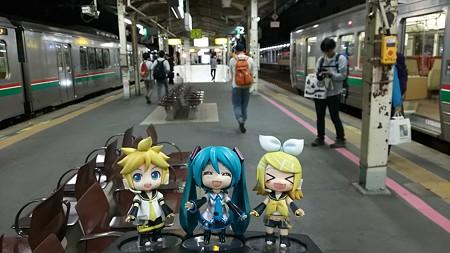 ミク:「郡山駅に到着ですー♪」 リン:「お疲れちゃまーん!!」 レ...