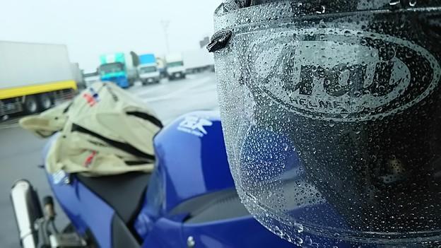 雨の東名高速!