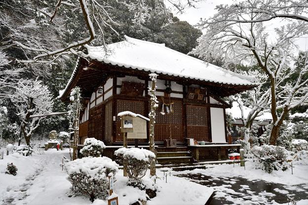 2017_0115_103229 清閑寺本堂雪化粧