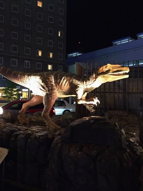 恐竜現る?