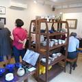 Photos: 貸し展示室内部