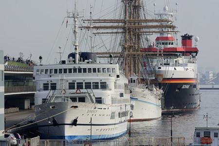 レストラン船、帆船、調査船 -2
