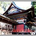 三峯神社の左側面