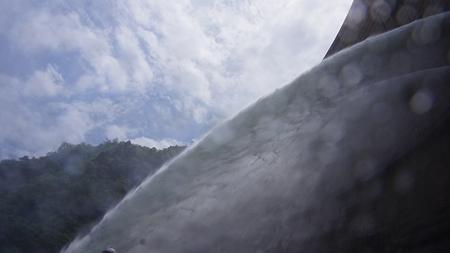 温井ダムドライブ (41)放水