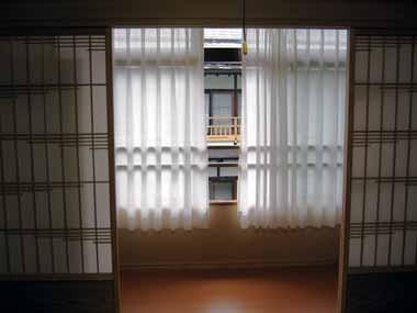 100511奥の院 347窓