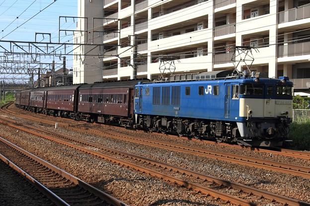 Photos: 9824レ EF64 1052+旧型客車 6両