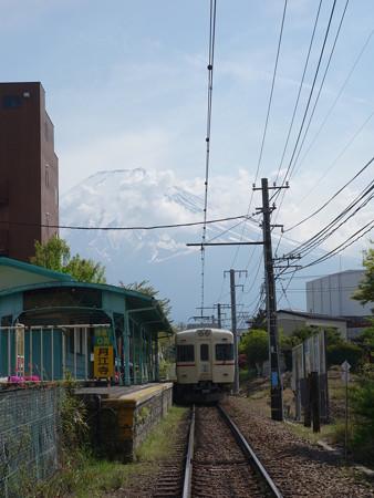 富士急大月線月江寺駅 (山梨県富士吉田市緑ケ丘)