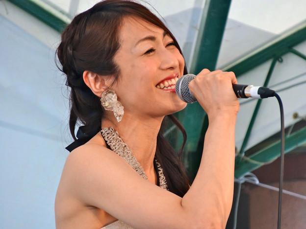 Photos: 玉城ちはる ひろしまフラワーフェスティバル2015 ホップステージ