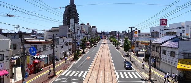 皆実陸橋から広島電鉄 皆実線 比治山線 宇品方向 国道487号 広島市南区皆実町3丁目