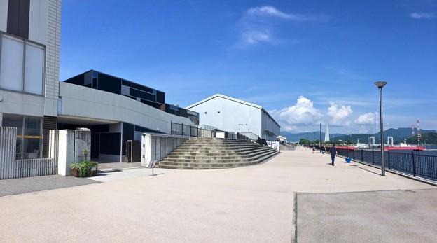 宇品海岸プロムナード 宇品波止場公園方向 広島市南区宇品海岸3丁目