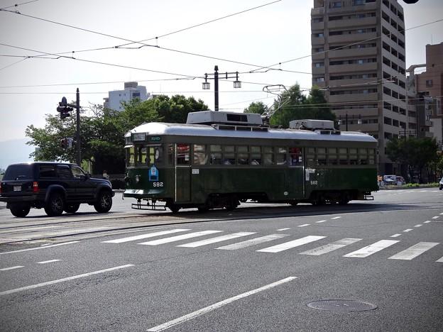広島電鉄 570形 582号 広島市南区的場町2丁目 大正橋交差点