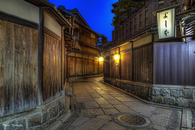 京都、石塀小路