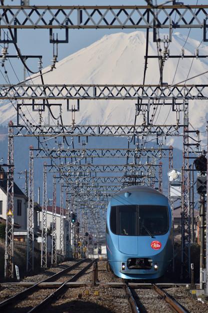 富士山を背に
