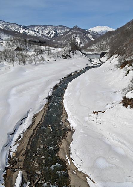 150328雪解けの川01