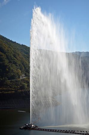 161016寒河江ダムの噴水04