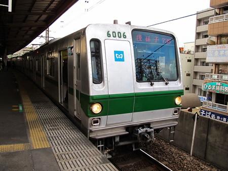 東京メトロ6000系(亀有駅)
