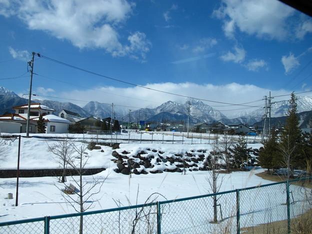 写真: 特急あづさ3号車窓(信濃大町界隈)1