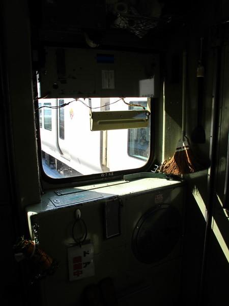 写真: 大糸線キハ52-156後方車窓2