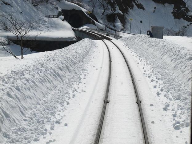 写真: 大糸線キハ52-156後方車窓32