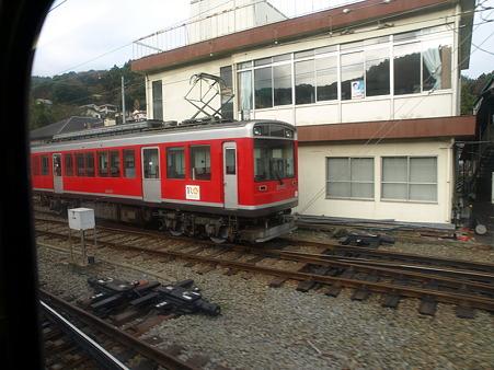 箱根登山電車の車窓(風祭駅→入生田駅)