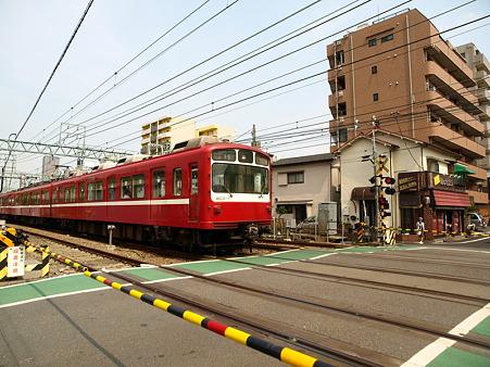 800形(子安駅)2