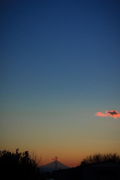 夕焼けと鉄塔と富士山@桶川